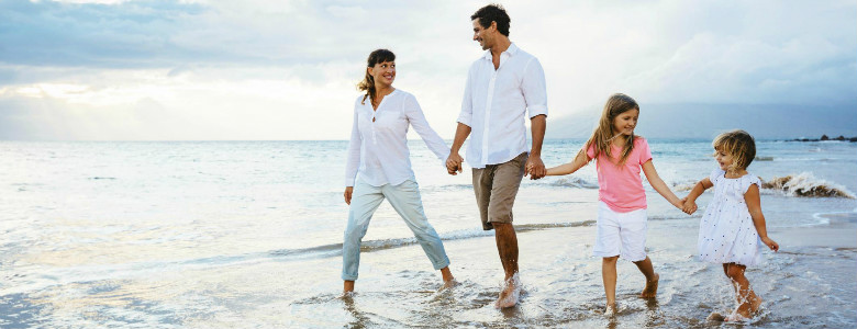 10 Money-Saving Tips For Family Vacations